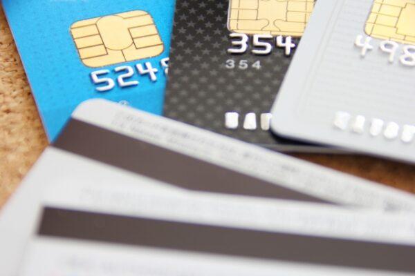 ペンギンモバイルはクレジットカードなしでもデビットカードで可能!